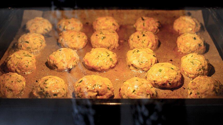 קציצות עוף אפויות - מטבח לייט